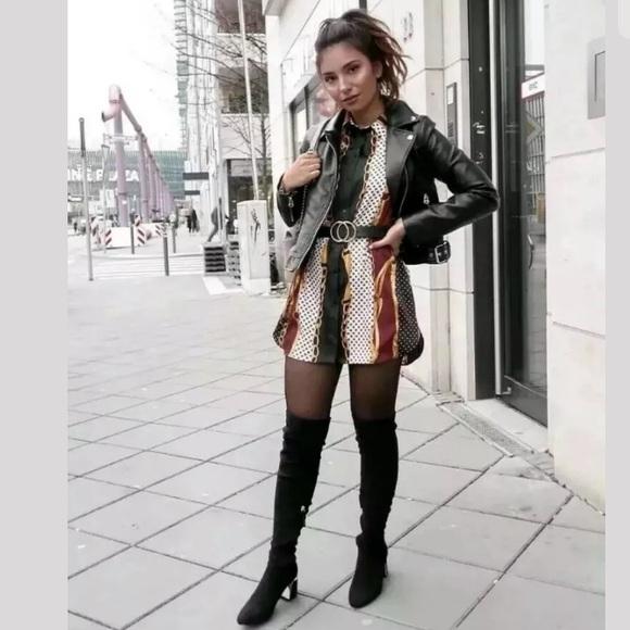 2c4b1d2619c Zara Chain Print Blouse